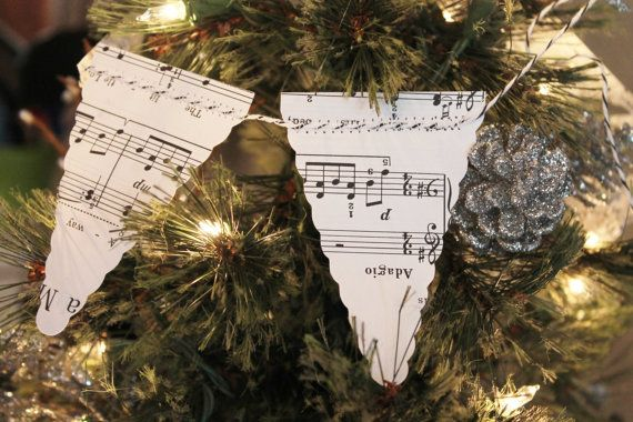 Mini scallop pennant banner 32 long Christmas tree by Houseof3