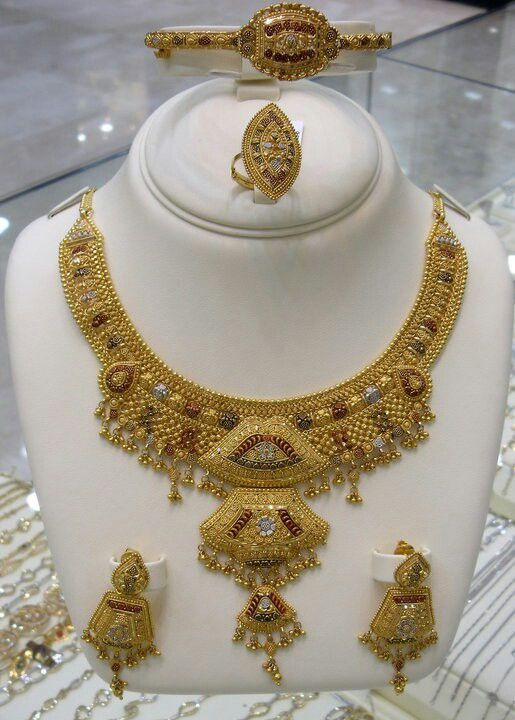 Jewellery Designs And Collections From Saudi Arabia Gold Bridal Necklace Gold Jewelry Simple Necklace Pure Gold Jewellery