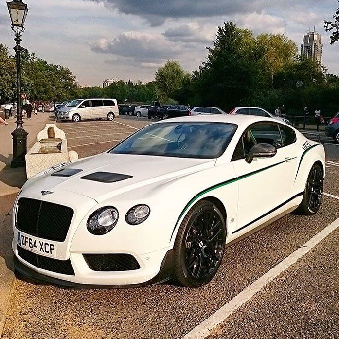 """Bentley Continental Gt3 R: CarsWithoutLimits On Instagram: """"#Bentley GT3-R • Follow"""