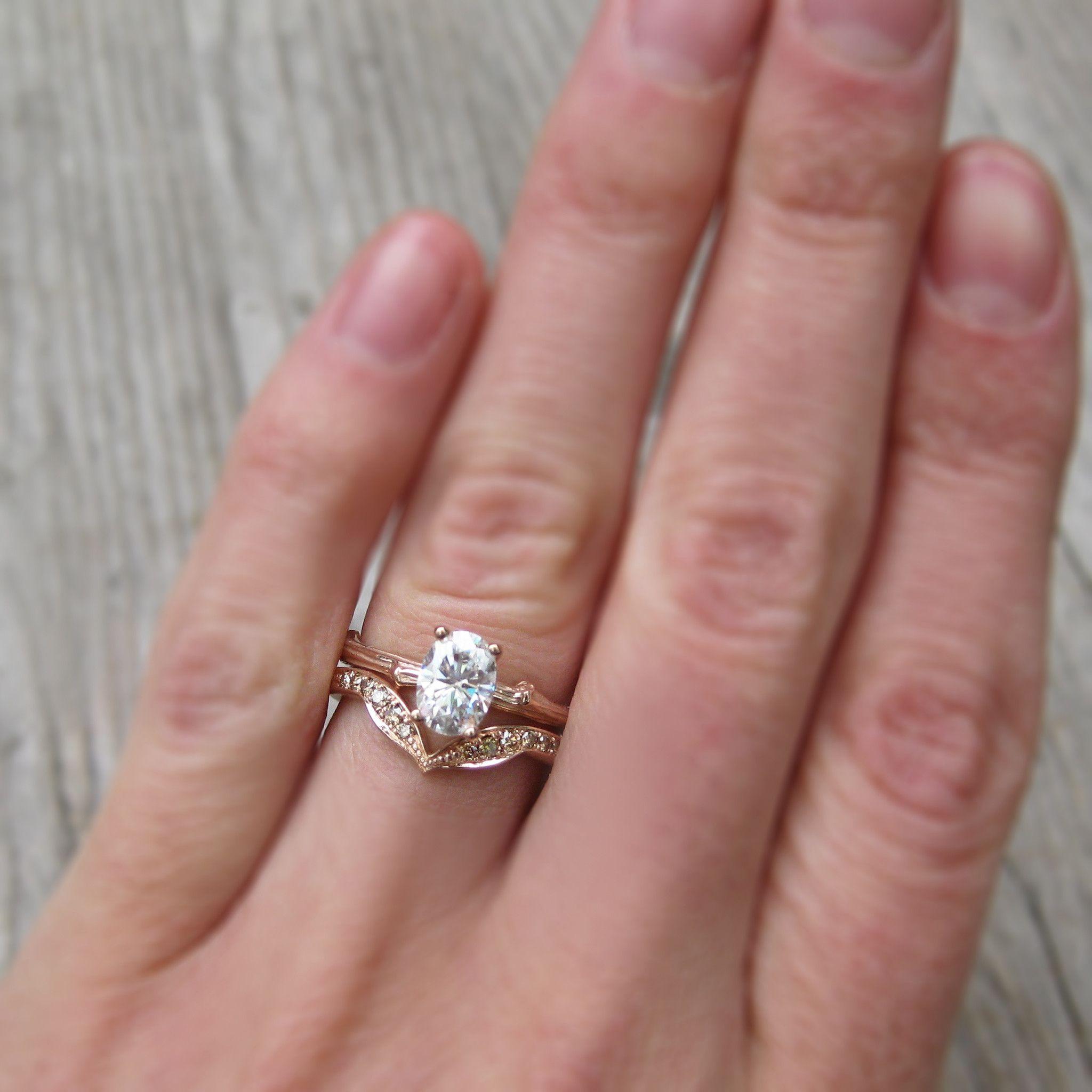 Leafy Pavé Cognac Diamond V-Band (Twelve Diamonds) | Wedding ring ...