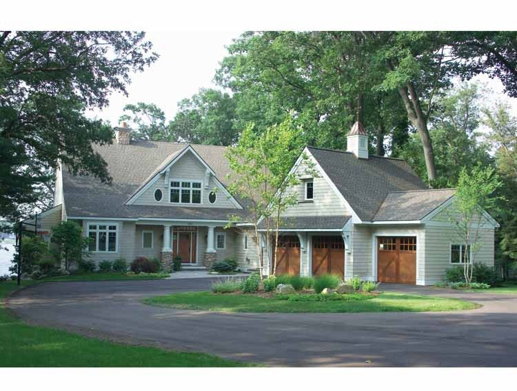 Shingle house plan with 4175 square feet and 5 bedrooms - How much paint for 1800 sq ft exterior ...