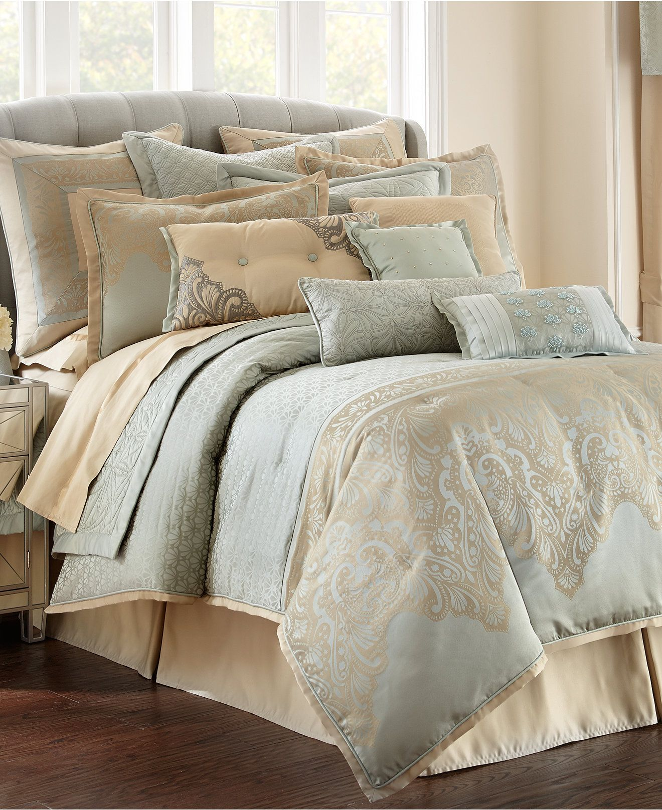 Waterford Aramis 4 pc Bedding Collection