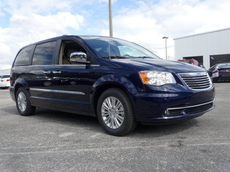 2014 Chrysler Town Country Limited True Blue Pearlcoat With
