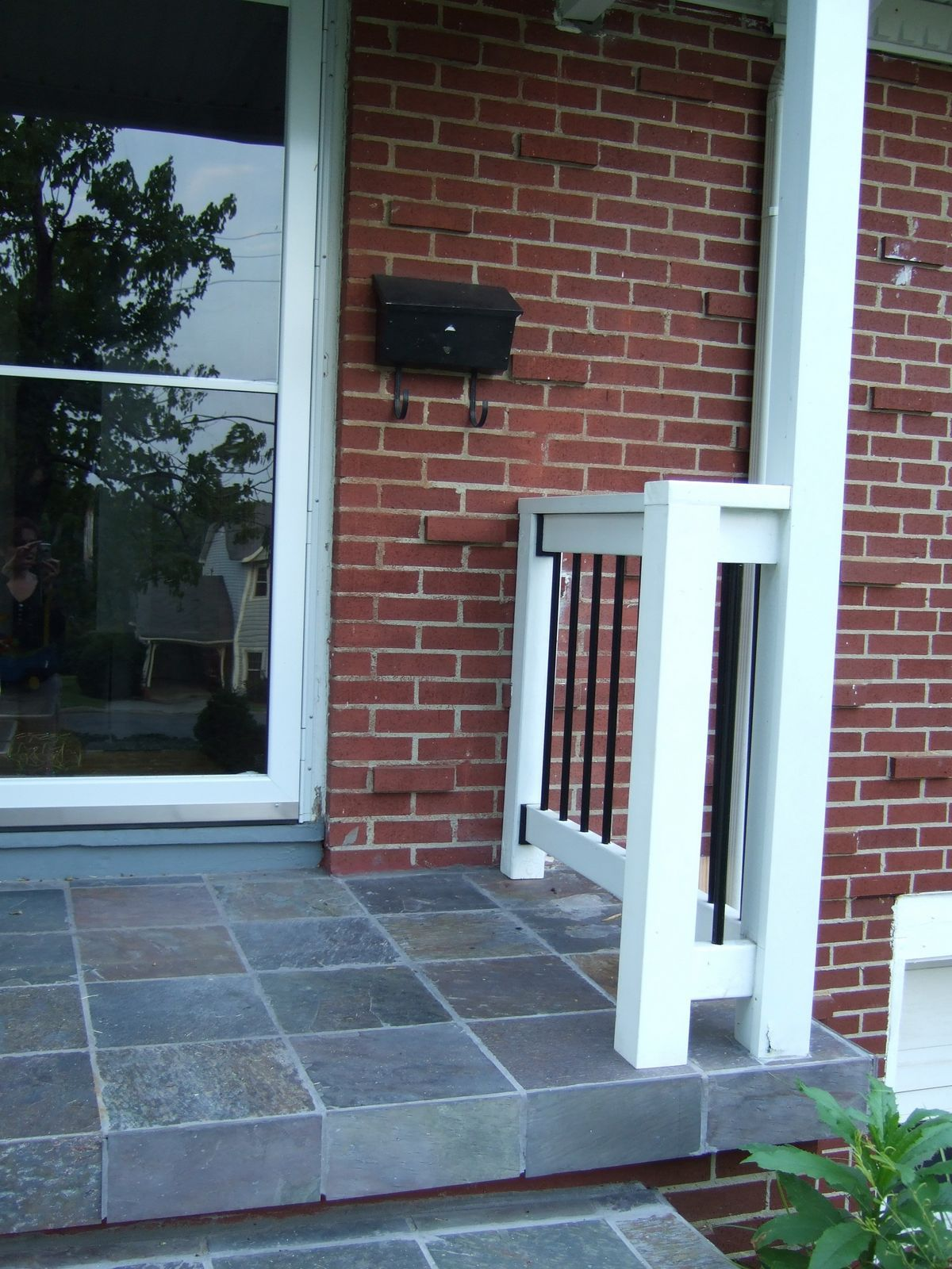 Grey Slate Great With Red Brick Of Front