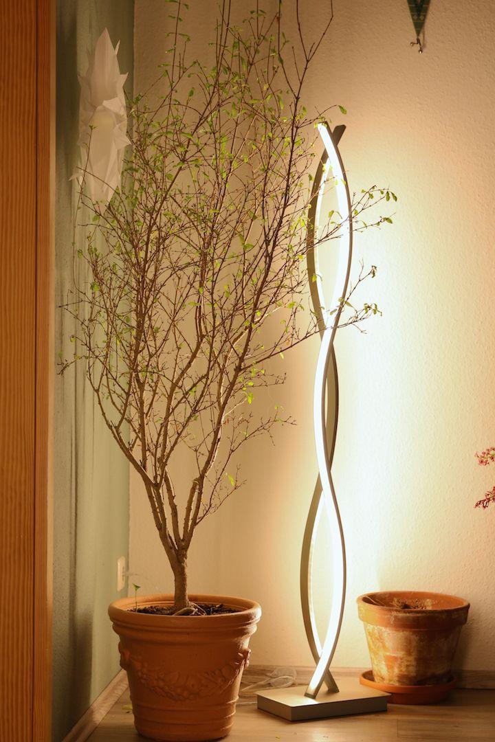 Neue moderne LED Stehlampe für das Wohnzimmer und Esszimmer ...