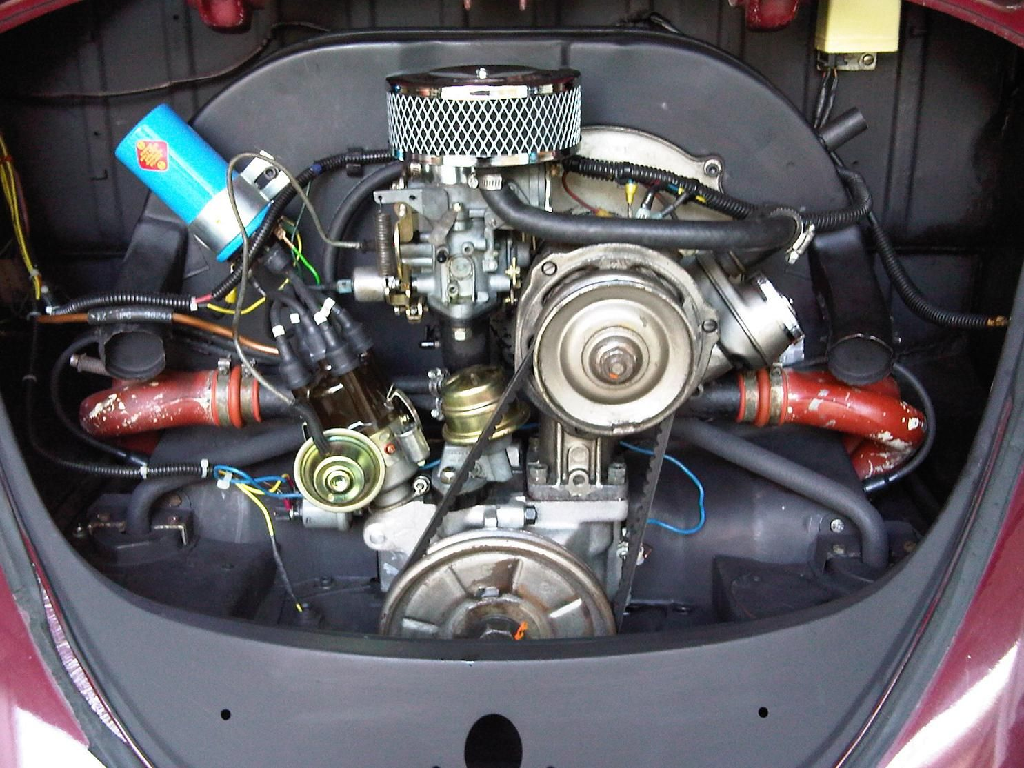 small resolution of clean 1600cc engine in a standard bug the progressive dual weber carburetor is a nice