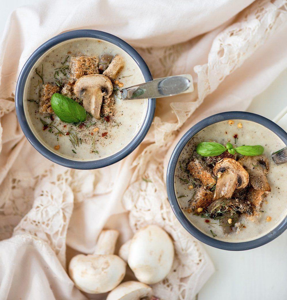 Crème de champignons à la parisienne | Crème de champignons, Recette soupe et Recettes de cuisine