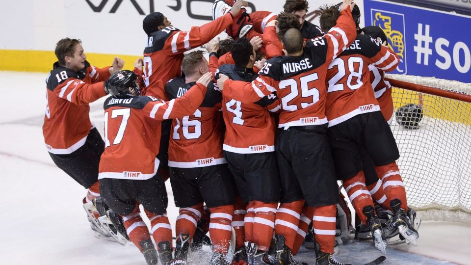 Canada Beats Russia 5 4 Wins Gold At World Junior Championship World Junior Hockey Team Canada Team Canada Hockey