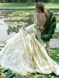 #wedding dress Download the #FashEngage iPhone App in the iTunes App Store!