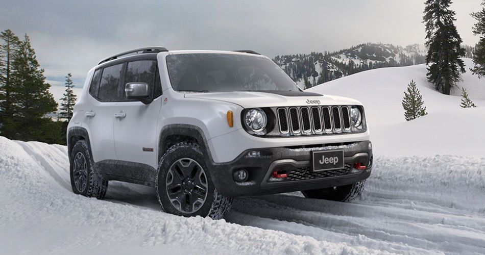 2015 Jeep Renegade Latitude Apline White Winter Driving In Snow