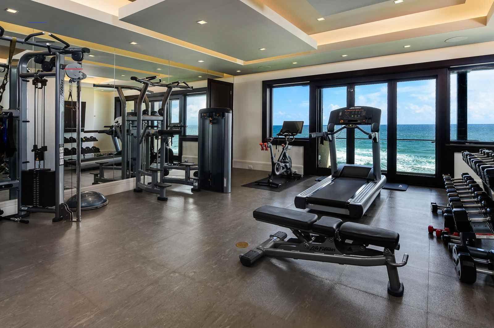 Pin Von Maximiliane Olanrewaju Auf Home Gym Ideas In 2020 Luxus Wohnung Luxushaus Moderne Villa