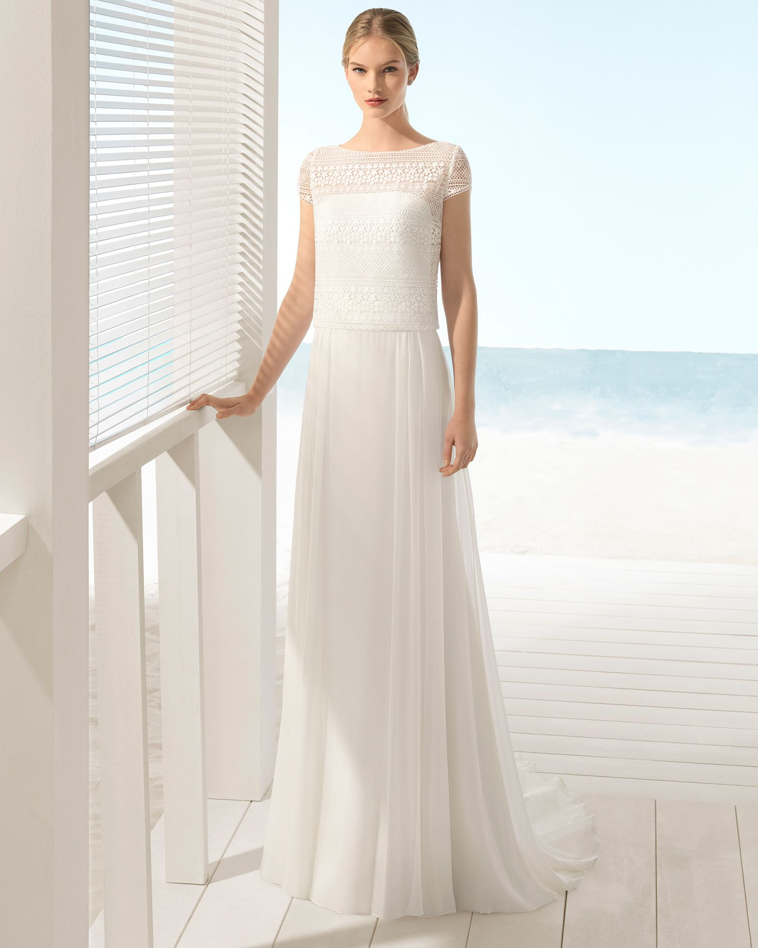 Dreiteiliges Boho-Brautkleid aus Seidenchiffon und Guipure-Spitze ...