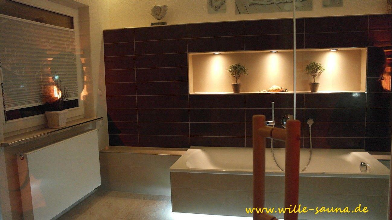 Hochwertig Modernes Bad, Badewanne Mit LED. Beleuchtete Wandnische