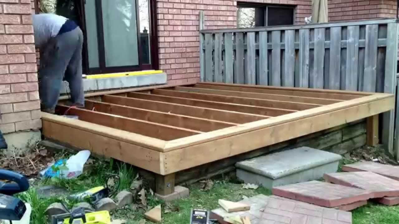 diy floating deck with deck blocks