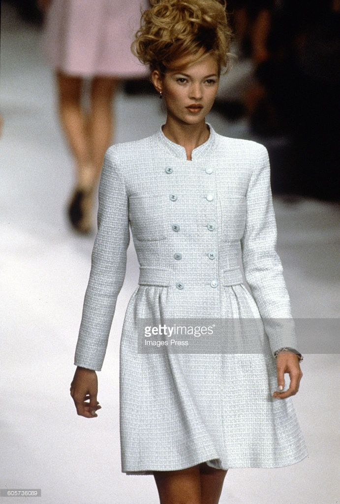 kate moss at the chanel spring 1996 show circa 1995 in paris france stricken pinterest. Black Bedroom Furniture Sets. Home Design Ideas