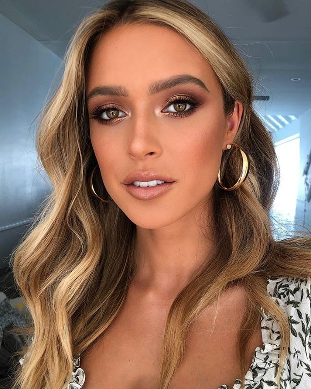 40+ Pretty Prom Makeup Ideas That Have An Elegant Looks -   12 makeup Prom blonde hair ideas