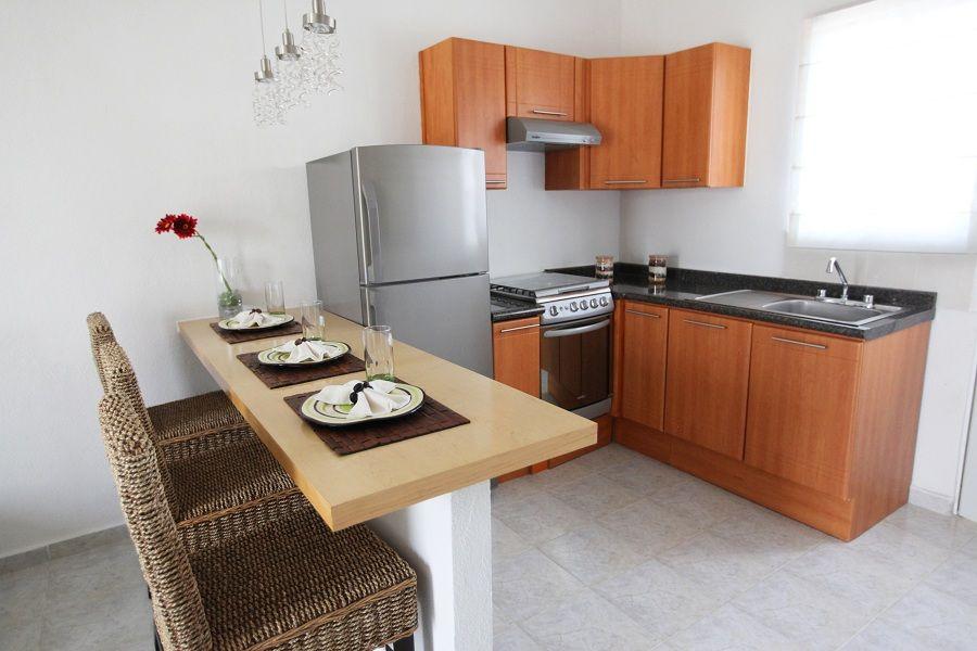 Cocina con desayunador cocina kitchen decor kitchen for Cocinas modernas pequenas para apartamentos con desayunador