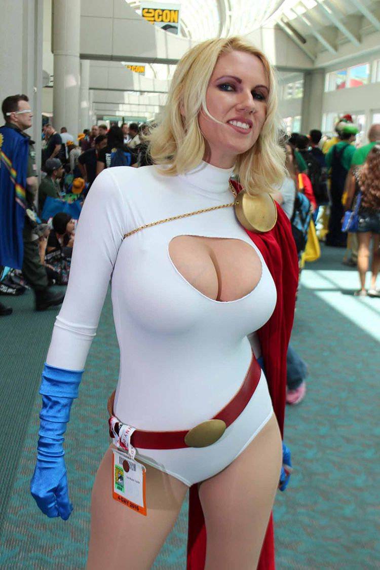 Comic con cosplay girls
