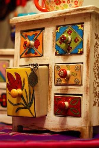 Regalo Muebles En Barcelona : Regalo original muebles de madera y cajones en ceramica