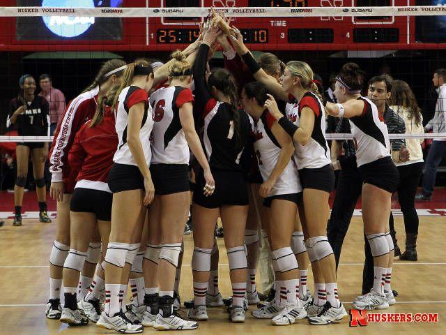 Huskers Head To Omaha To Face Washington University Of Nebraska Husker Women Volleyball Volleyball Team