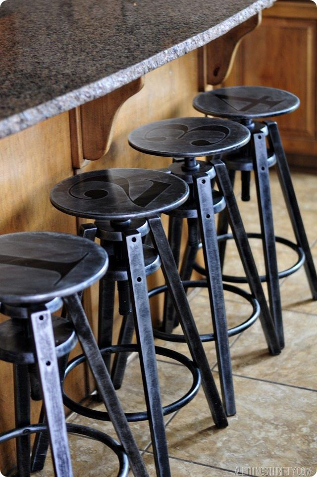 Industrial Furniture Painting Technique Easy As 1 2 3 Mobilier De Salon Tabouret Industriel Et Tabouret Cuisine