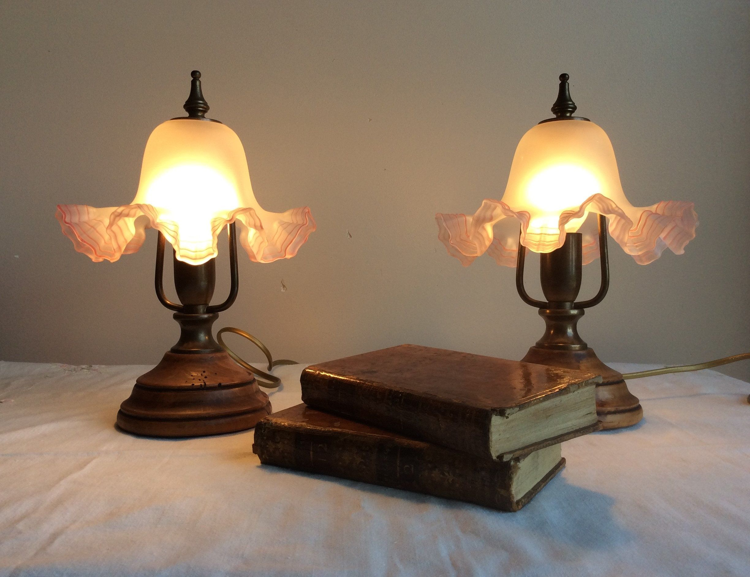 2020 Fashion Quality Ceramic Table Lamp Antique Vintage Style Cloth Lamp Cover Dimmer Switch From Lucysgj 155 64 Dhgate Com Antique Table Lamps Vintage Table Lamp Victorian Lampshades