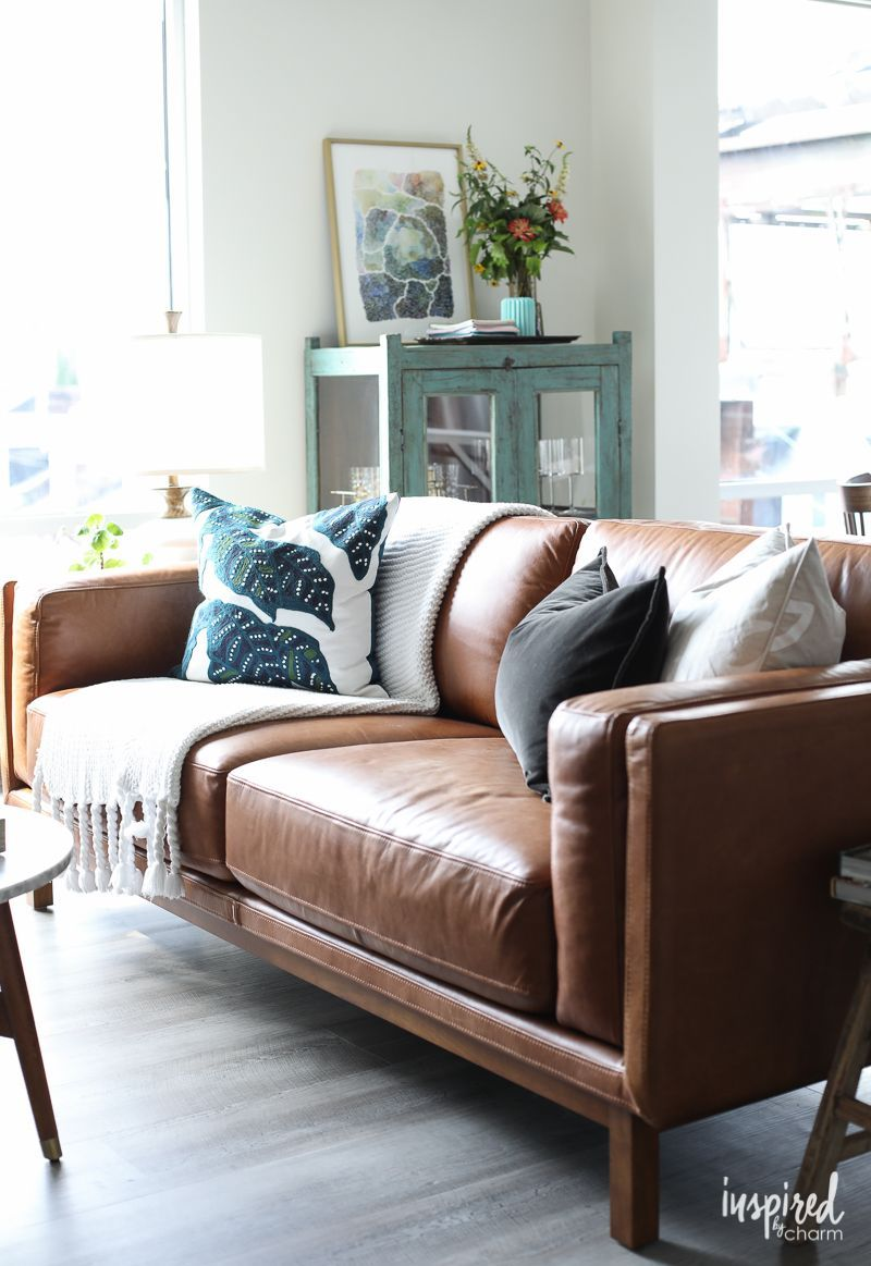 Love The Dekalb Leather Sofa By West Elm In This Room Salons Cosy Diy Salon
