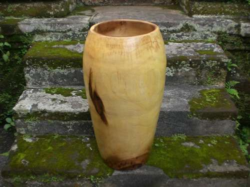 Tamarin wood jar XL: A beautifully executed wooden jar by our local carver in the valley of Makaha. Made from Tamarin wood, the bowl comes in either natural color or stained. Each piece is unique and will vary slightly in shape and tone. Art gallery grade!