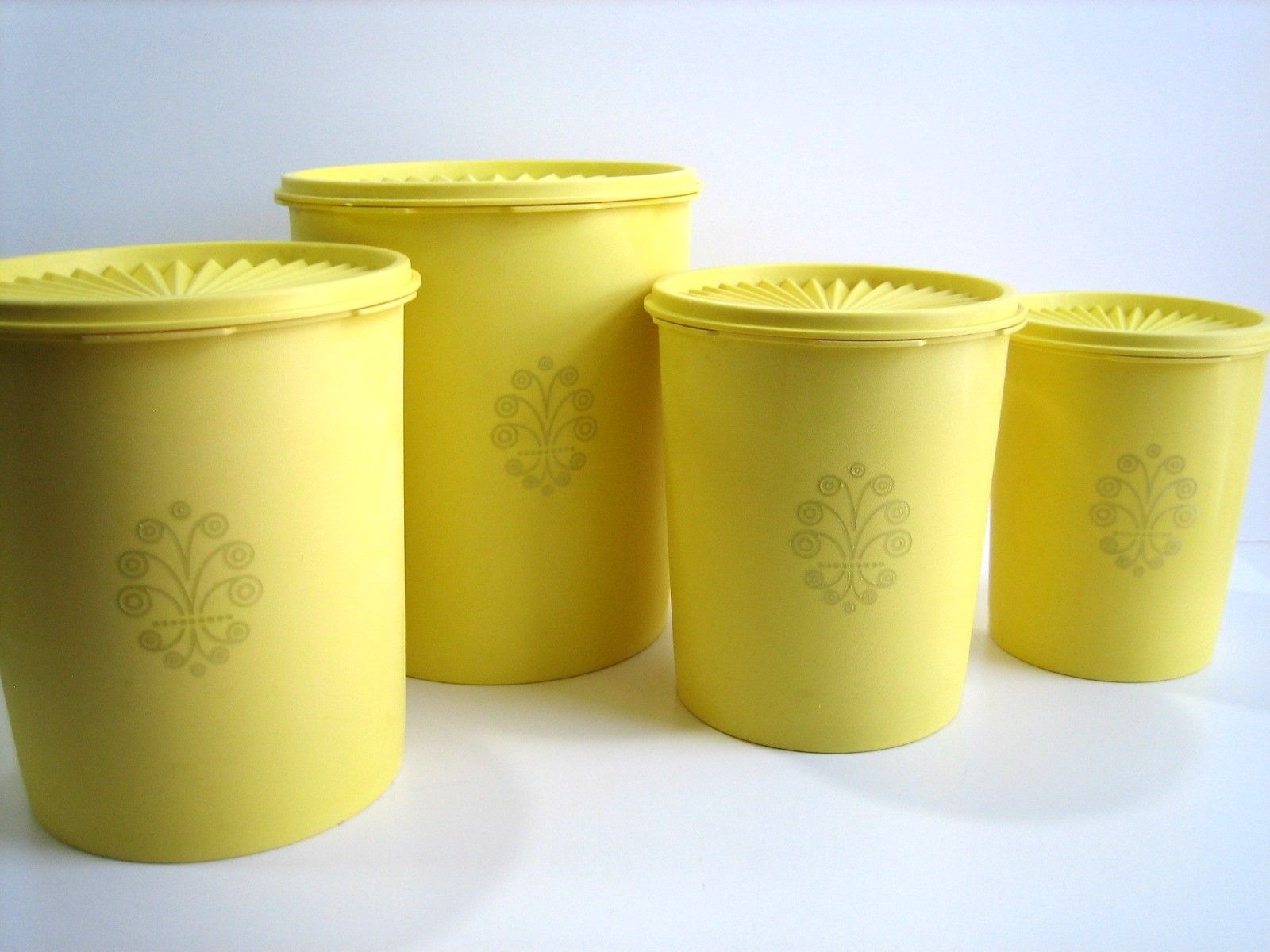 tupperware canister - 70's...I have these!!