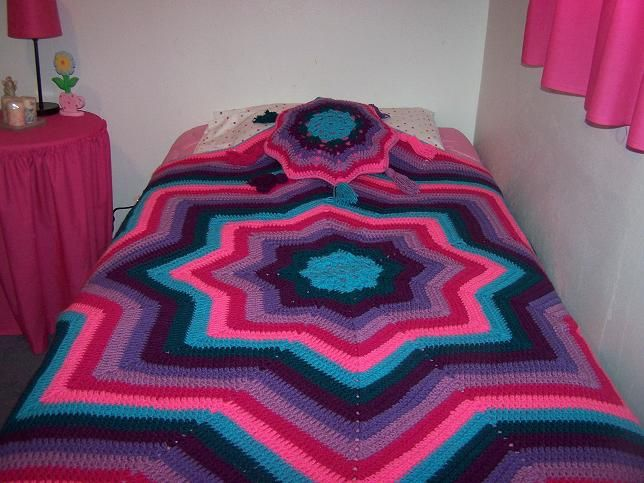 Free Crochet Pattern Ripples Of Color Star Afghan And