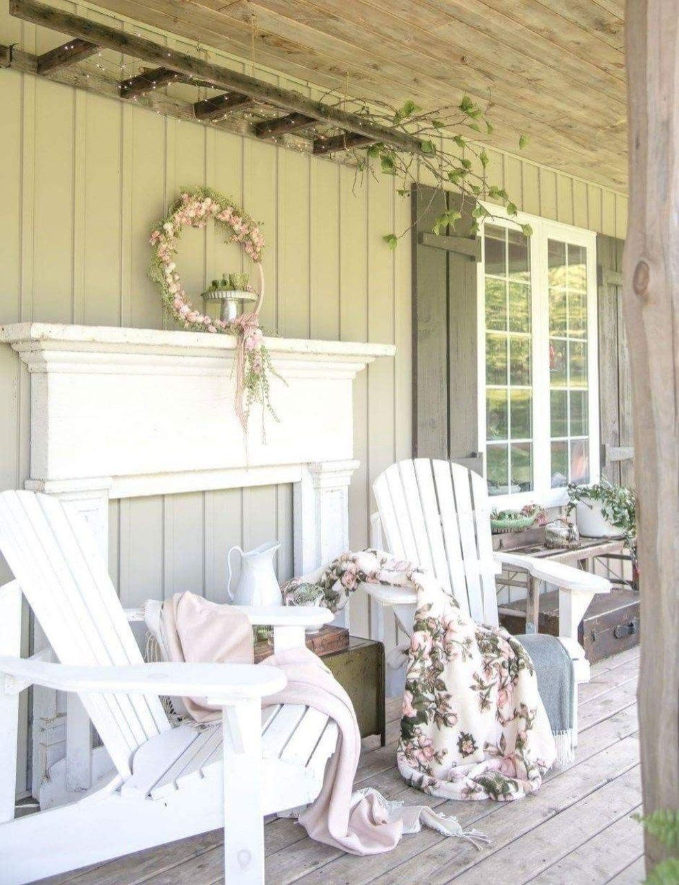 49 Easy Ways To Create A Relaxing Porch Ideas For Big Family - HOMYFEED #relaxingsummerporches