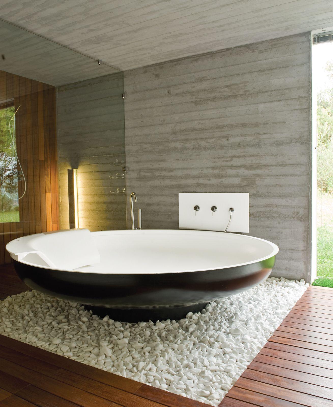 A UFO bathtub by Benedini Associati for Agape lends an alien touch