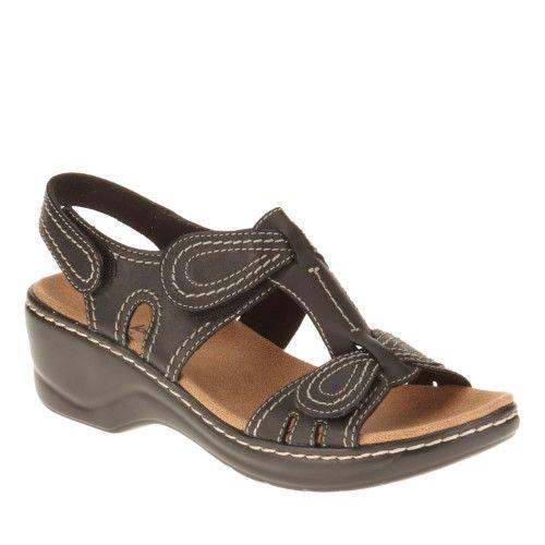 8b848182d385 Clarks Women s Lexi Walnut Sandal