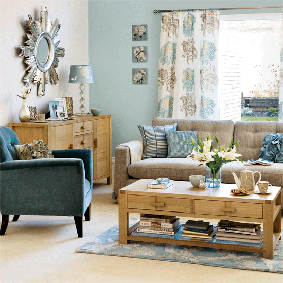 Using The Right Colors In Your Living Room Decor Is Halfway To Creating A Fancy And Chic Ambience Teal Living Rooms Brown And Blue Living Room Tan Living Room