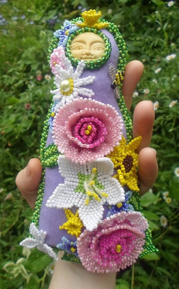 My latest Bead Dolly, inspired by.... Flowers! Face courtesy of ...