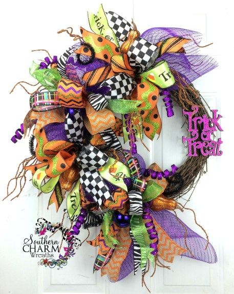 How To Make A Whimscial Funky Bow Diy Halloween Wreath Halloween Mesh Wreaths Making Mesh Wreaths