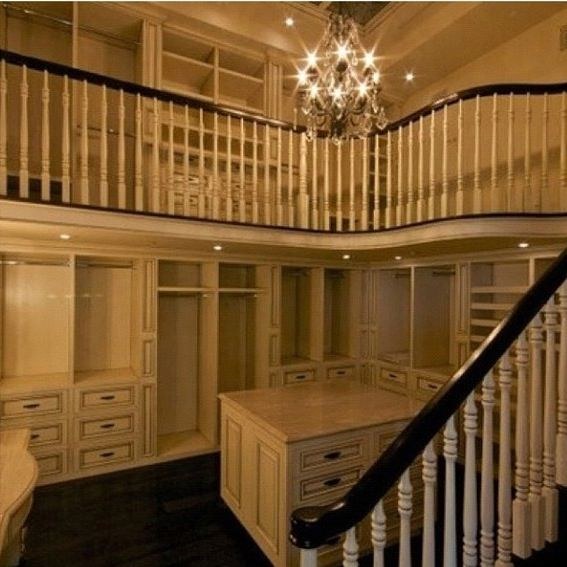 Two Story Closet What Girl Wouldnt Want This I Will More Than Likely Not Get But Still A Can Dream