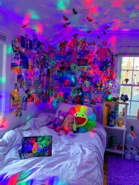 Insta 3llahatesyou 3 In 2020 Neon Room Dreamy Room Chill Room