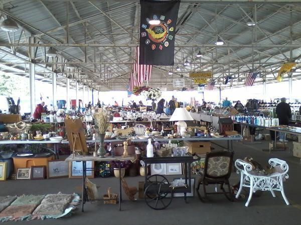 Muskegon flea market