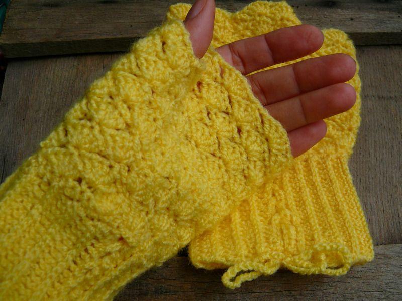 Fingerlose Handschuhe in Schale Muster | Schal Muster, Handschuh und ...