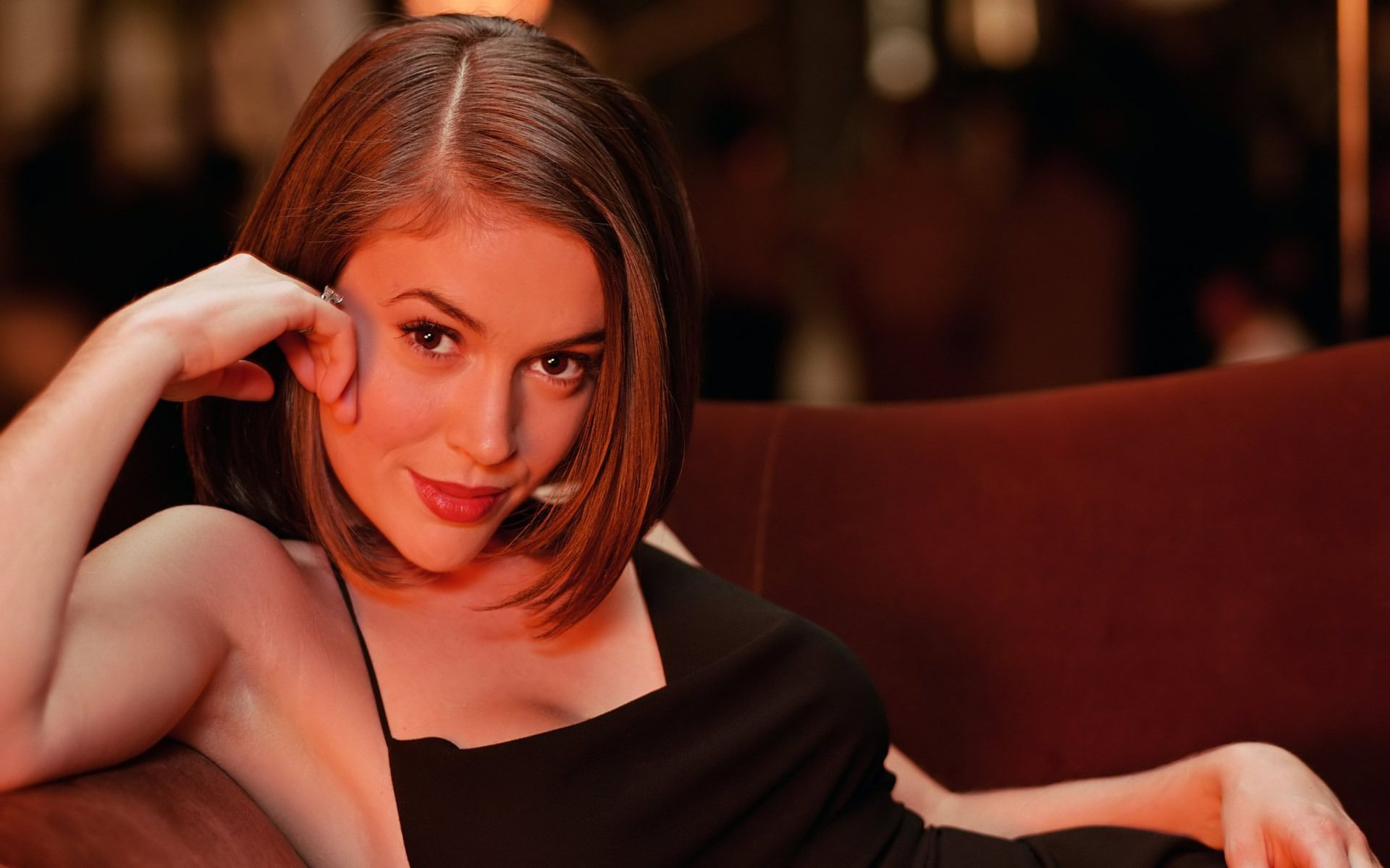 Photo Collection Alyssa Milano Wallpaper See Throughout