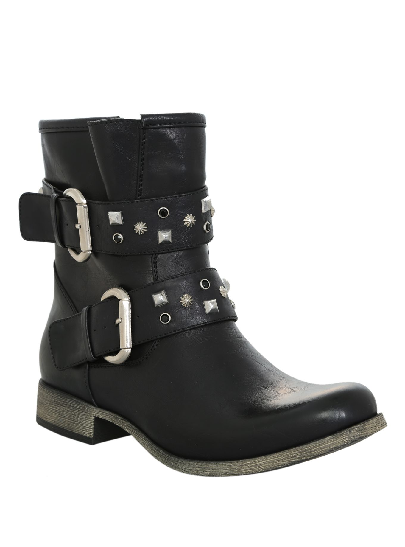 Black+faux+leather+boot+with+silver+tone+stud+and+black