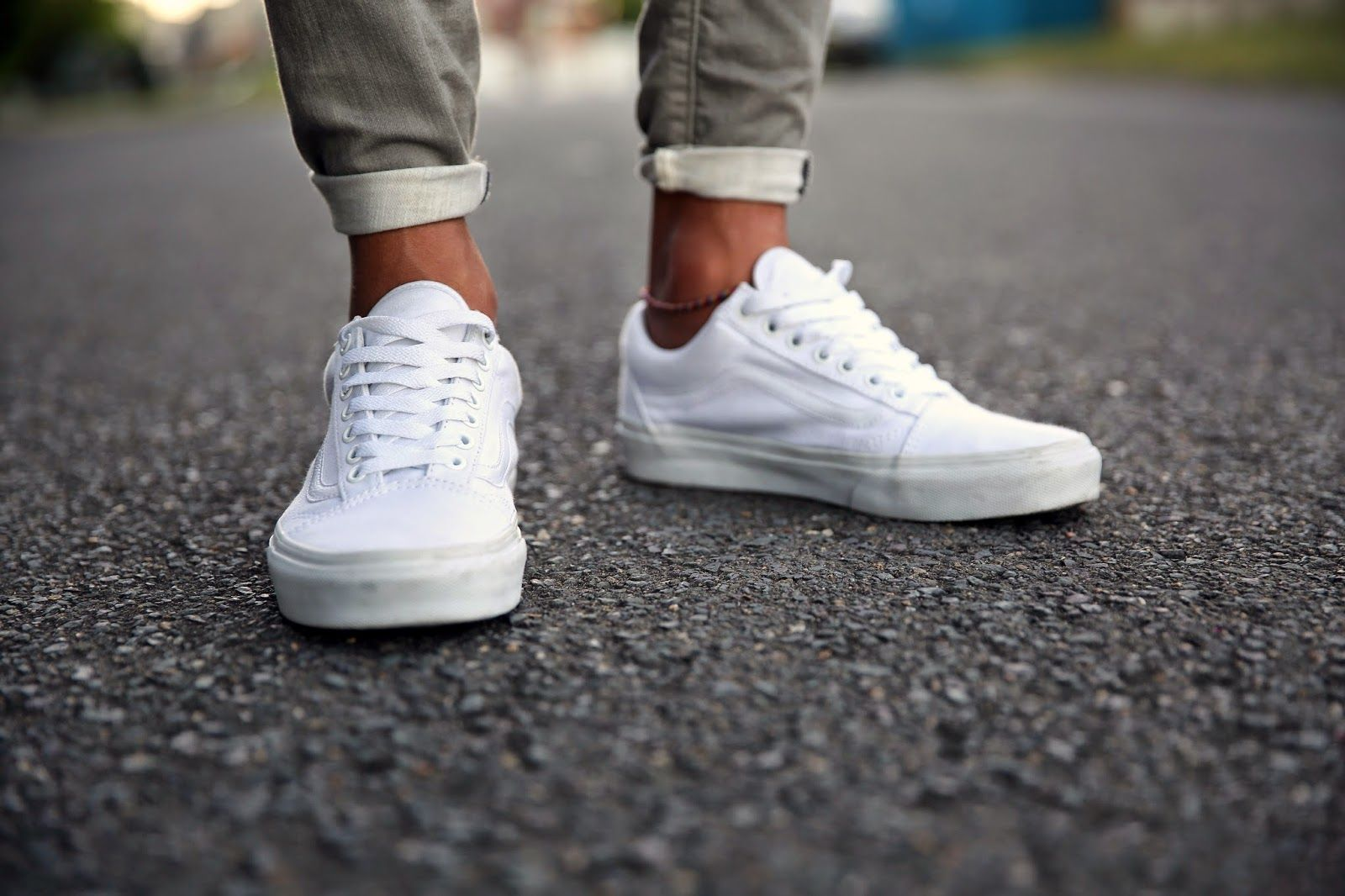 VANS OLD SKOOL // WHITE