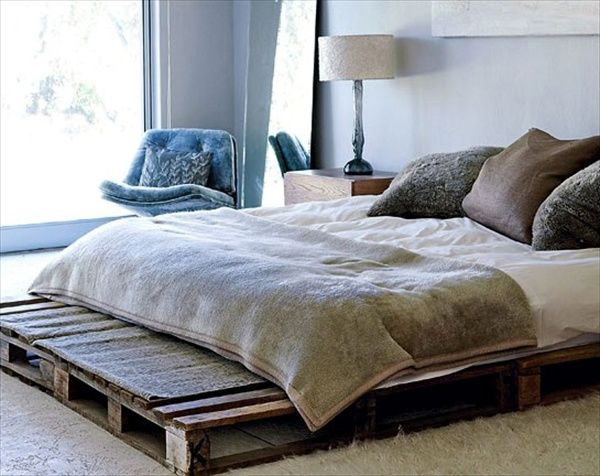 Beautiful DIY Pallet Bed Queen Plans Wooden pallet beds Pallet