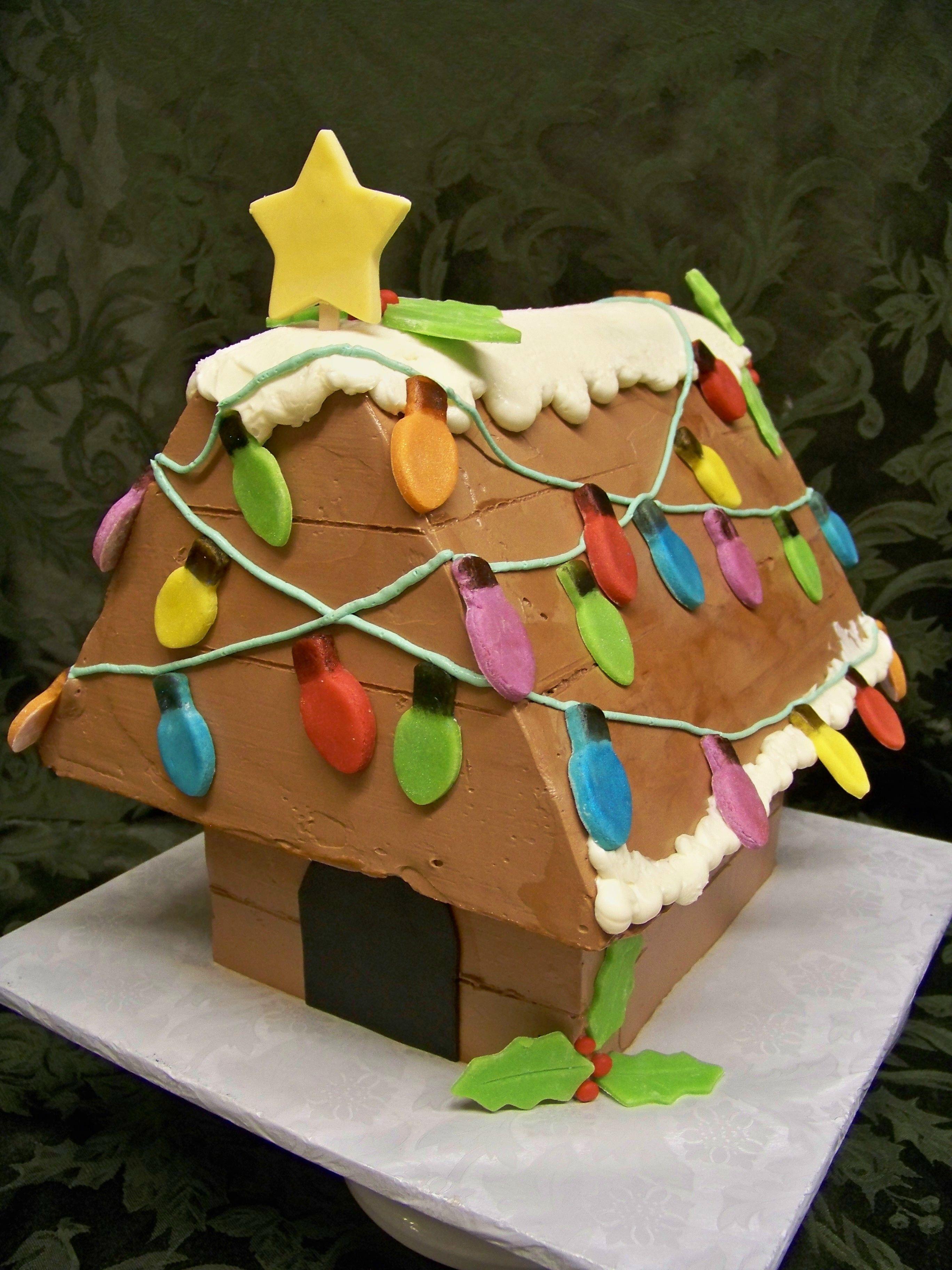 Snoopy S Christmas Dog House Cake