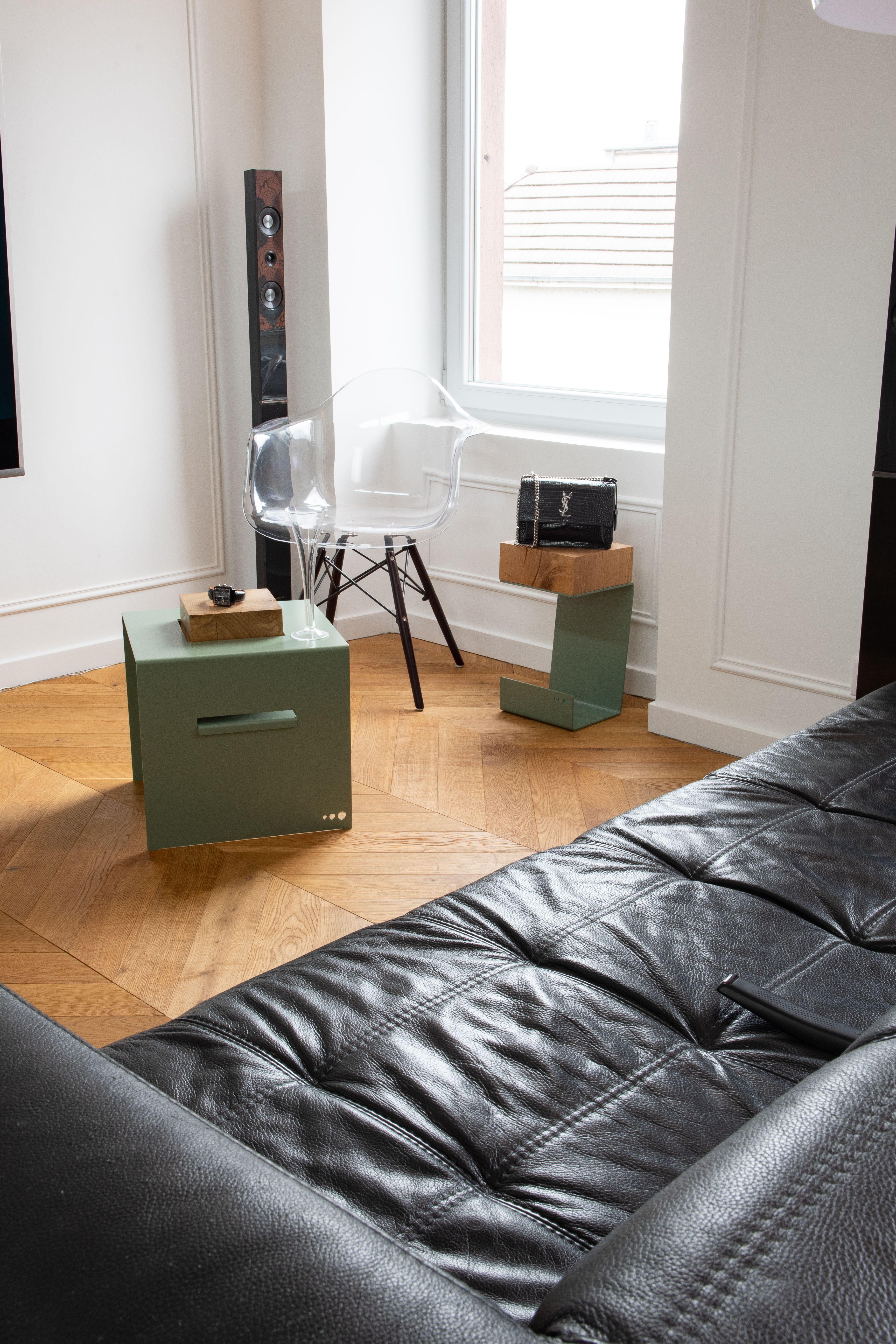 Table Basse Levita Et Bout De Canape Angles Disponible Chez Contact Interstice Design Com Bout De Canape Canape Angle Mobilier