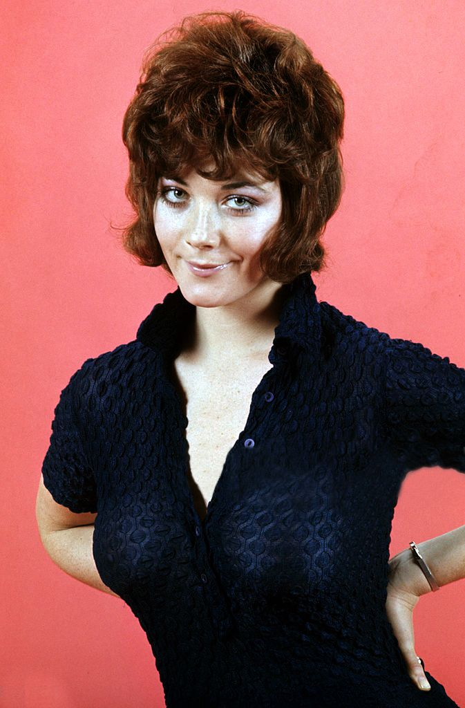 Linda Thorson Nude Photos 23