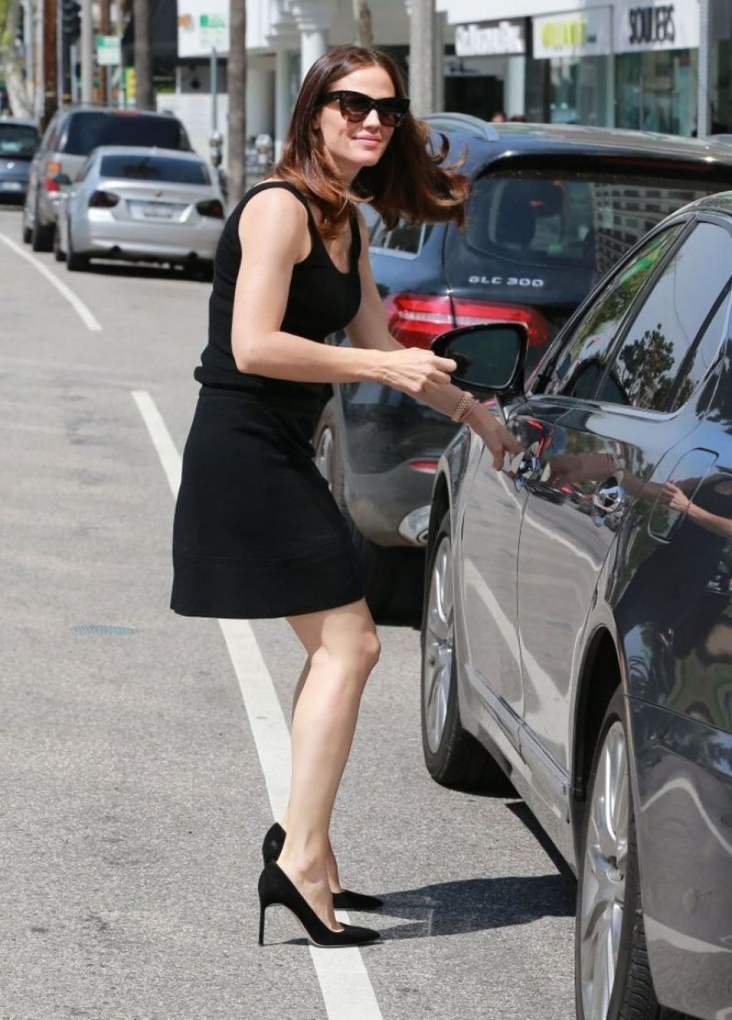 Jennifer garner in black mini skirt brentwood - 2019 year