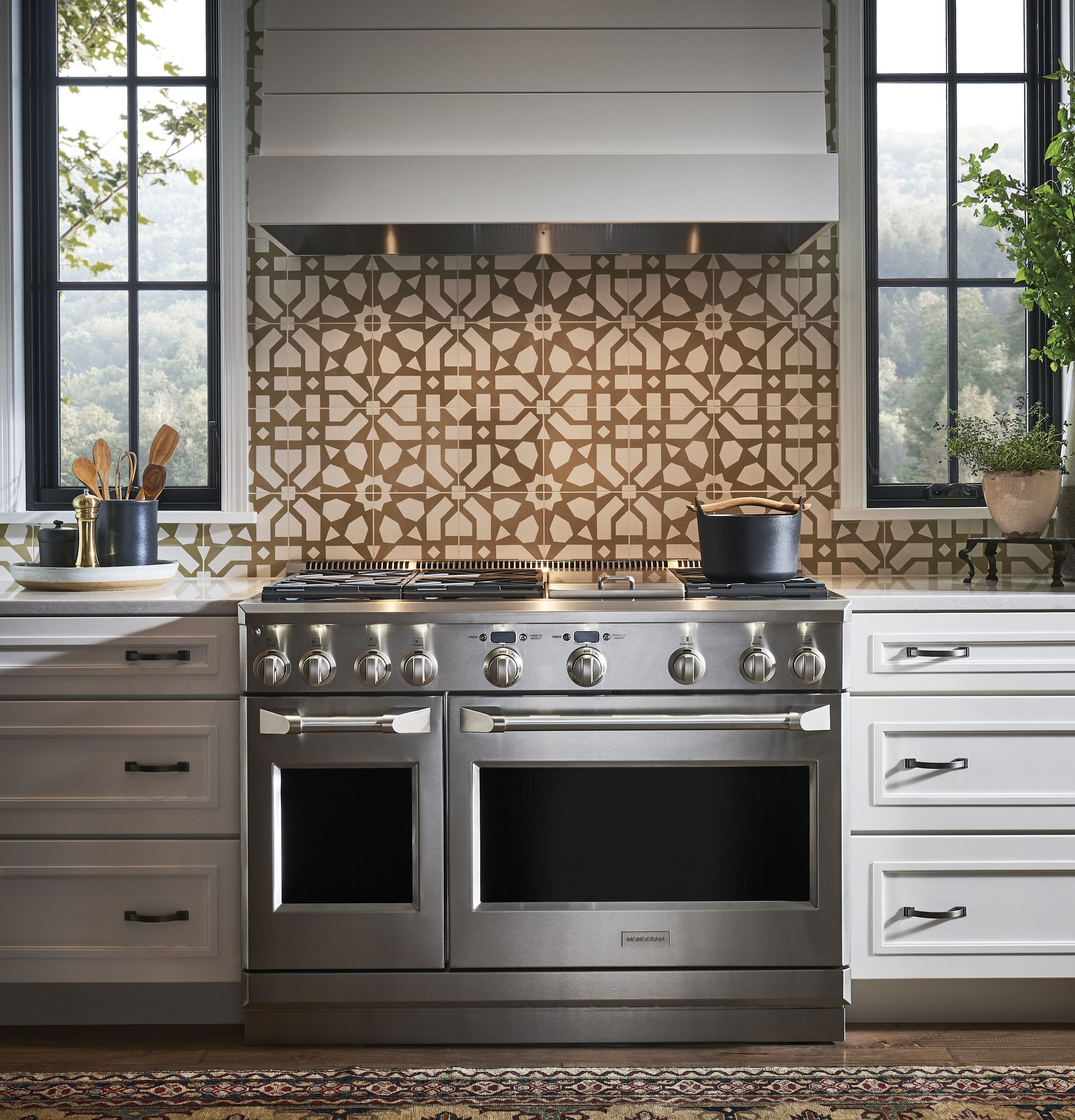 Zdp486ndpss Monogram 48 Dual Fuel Professional Range With 6 Burners And Griddle Natural Gas Monogram Appliances Ge Monogram Appliances Kitchen Appliances