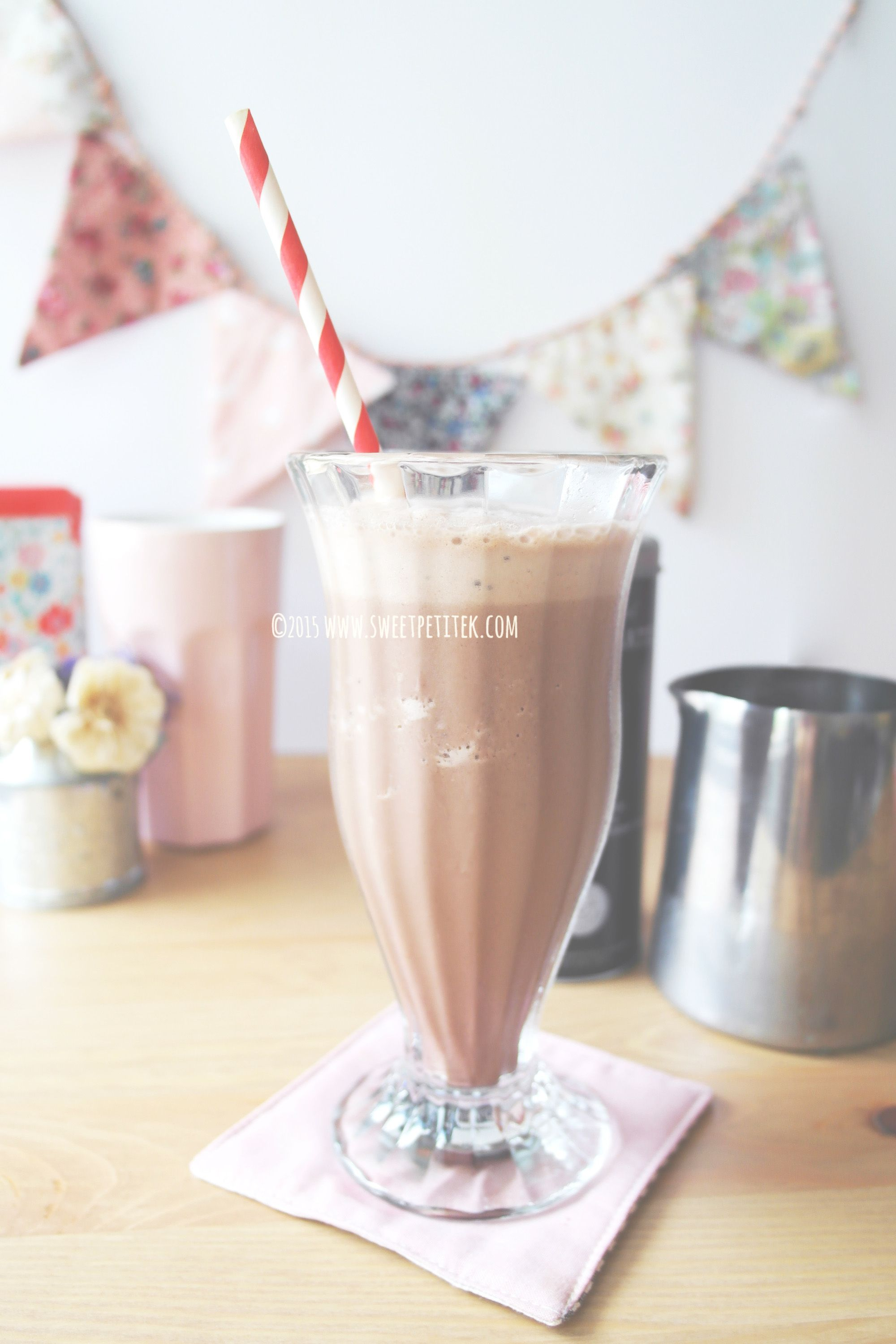 Homemade Coffee Bean Mocha Ice Blended Homemade Coffee Diy Drinks Champagne Flute